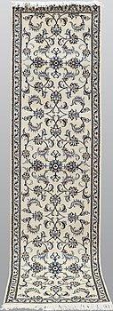 Gallerimatta, Nain, ca 296 x 78 cm.