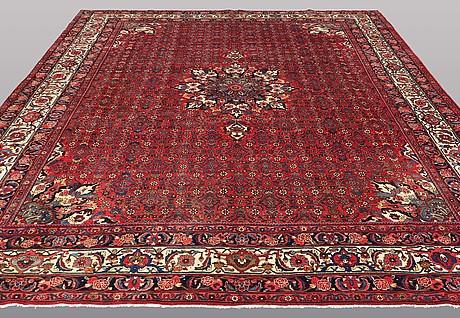 A carpet, semi-antique bidjar, ca 389 x 298 cm.