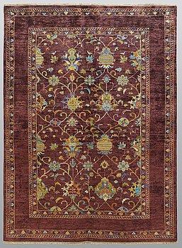 A rug, Ziegler design, ca 242 x 176 cm.