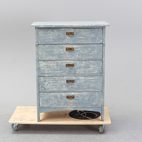 A painted dresser from around the year 1900.