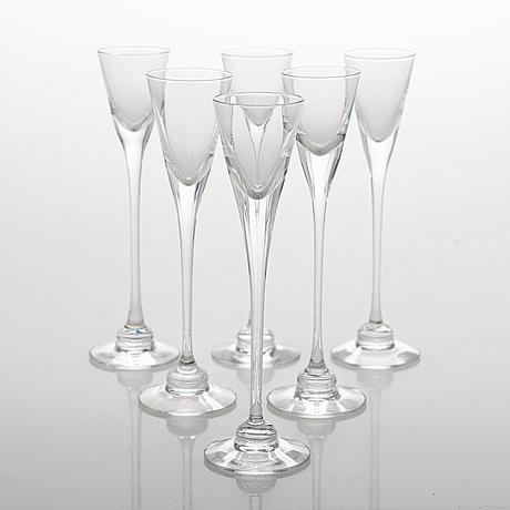 Heikki orvola, a 24-piece 'aurora' glass wear , iittala and 6 drinking glasses of an other model.