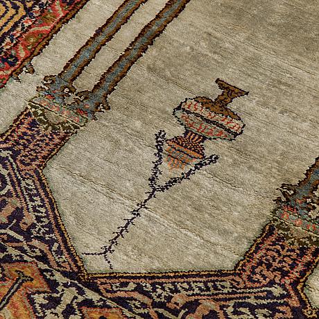 A rug, semi-antique kasyseri, ca 133 x 87 cm.