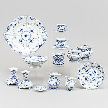 """A coffee and mocca service, porcelain, 42 pcs, half- and full lace, """"Musselmalet"""" from Royal Copenhagen."""
