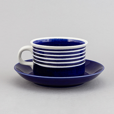 "A creamware tea service, 11 pieces, ""kobolt"" by karin björquist for gustavsberg."