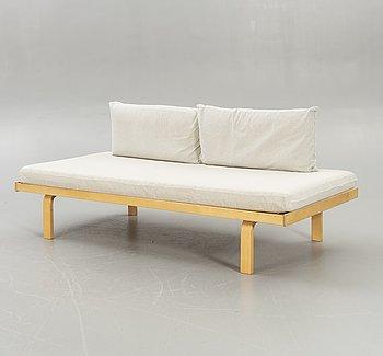 Alvar Aalto, daybed model 710, Artek.
