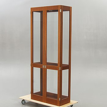 Göran Malmvall, display cabinet, KA72 for Karl Andersson & Söner, later part of the 20th century.