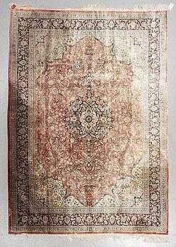 A carpet, Oriental, Silk, ca 294,5 x 217 cm.
