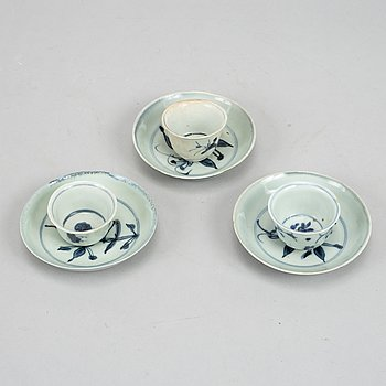 A set with three wine cups and three small dishes, Ming dynasty (1368-1644).