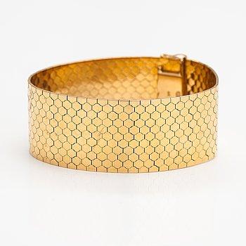 An 18K gold bracelet. Swedish import mark.