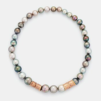 A cultured Tahiti pearl necklace with a Peter Schmid/Atelier Zobel clasp.
