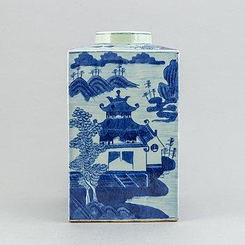 A blue and white large tea caddy, China, circa 1900.