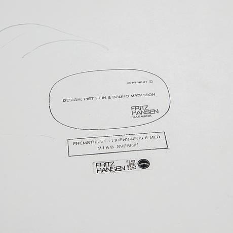 """Bruno mathsson & piet hein, """"superellips"""", fritz hansen, datert 1988."""