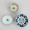 Skålar, tre stycken, porslin. mingdynastin (1368-1644). för den sydostasiatiska marknaden.
