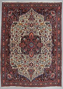 A carpet, semi-antique Bidjar, ca 314 x 222 cm.