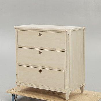 Chest of drawers, Gustavian style, around 1900.