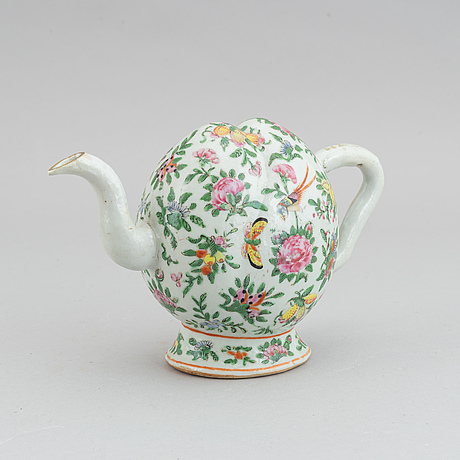 A chinese famille rose porcelain 'cadogan' teapot in the form of a peach, 19th century.