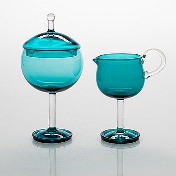 Nanny Still, 'Harlekiini' glass cream jug and sugar bowl, model 1193 and 1192, Riihimäen Lasi. Design year 1958.