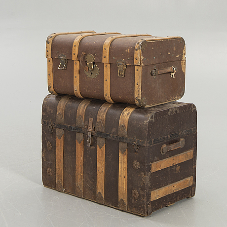 A set of two trunks around 1900.