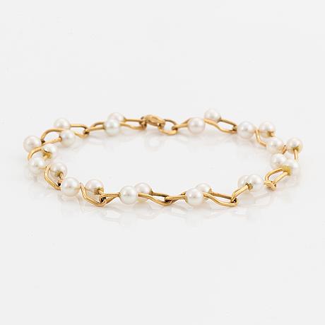 Armband, 18k guld med pärlor.