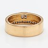 An 18k gold ring with diamonds ca. 0.32 ct in total.