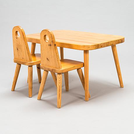 Lastentuolipari ja pöytä, 1970-luku.