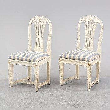 Stolar, ett par,  gustavianska, omkring 1800.