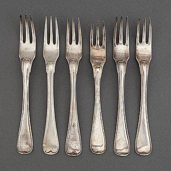 5+1 swedish silver dessert forks, including mark of Petter Julin, Köping 1761.