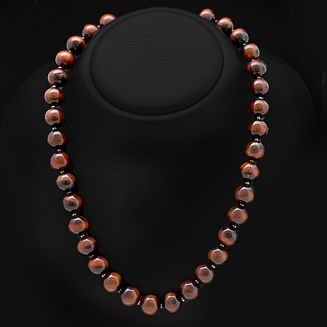 Necklace tigers eye beads approx 12 mm and smaller glass beads, clasp metal, approx 50 cm.