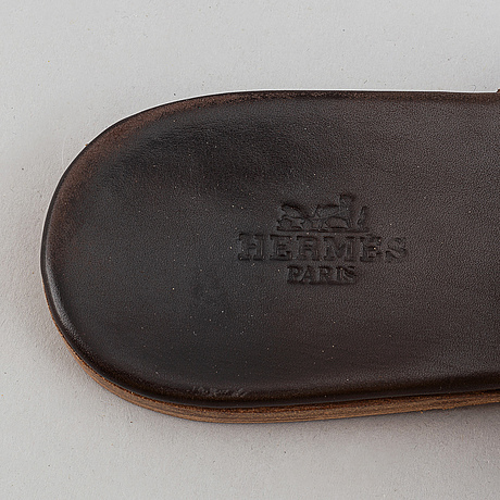 Hermès, a pair of leather sandals, size 39.