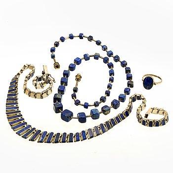 Lapis lazuli och sodalit smycken, 1 ring och 2 collier, silver och vit metall.