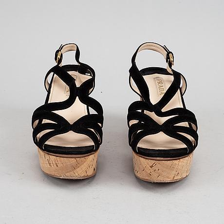Prada, sandaletter, storlek 39½.