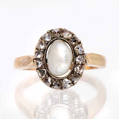 Ring 14k gold pearl approx 7 mm and rose-cut diamonds.