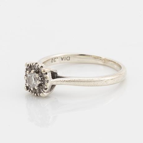 Brilliant-cut diamond ring, total 0,30 ct according to engraving.