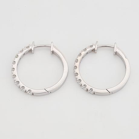 Brilliant-cut diamond earrings, total 0,76 ct.
