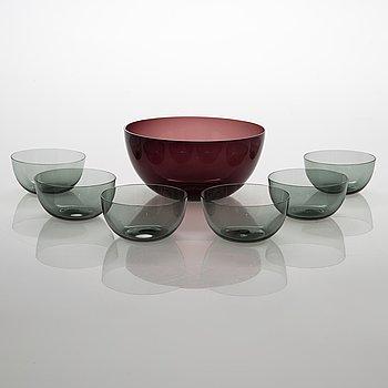 Kaj Franck, A serving bowl '1329' and 6 pcs dessert bowls '1340', Nuutajärvi Notsjö.