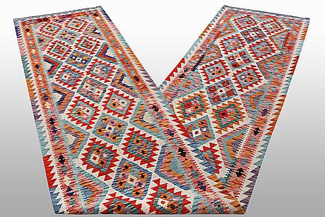 Gallerimatta kelim 479 x 79 cm.