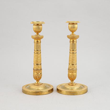 Ljusstakar, ett par, empire, förgylld brons, 1800-talets början.