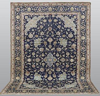 A carpet, Kashan, ca 367 x 257 cm.