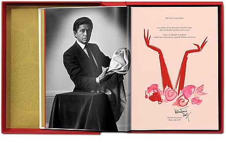 Valentino garavani. una grande storia italiana, book taschen numbered and signed 60.