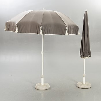Elsa Stackelberg, Umbrellas, 2 pcs, Fri Form, 2 pcs holders / feet in concrete.