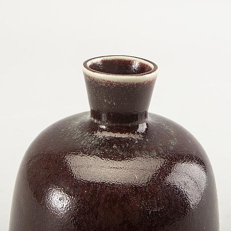 Berndt friberg, a stoneware vase, gustavsberg studio, signed and dated 1976.