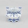 Six full lace porcelain sugar bowls *musselmalet' from royal copenhagen.