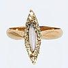 Ring 14k guld med 1 opal och rosenstenar, ryska stämplar.
