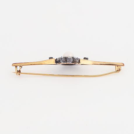 Rose-cut diamond and pearl brooch.