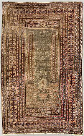 A semiantique silk kayseri carpet ca 134 x 86 cm.