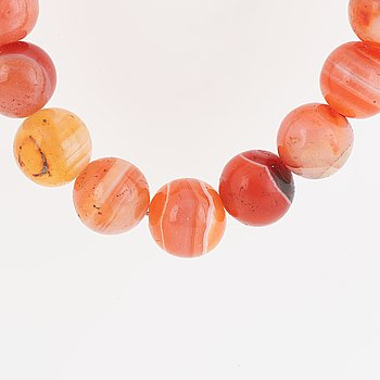 Agate and 18K gold necklace.