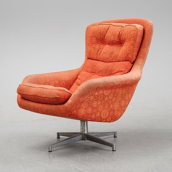 A 'Form 7' swivel easy chair by Alf Svensson for Dux, second half of the 20th Century.