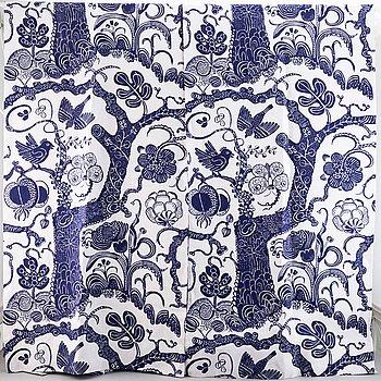"A pair of linnen curtain lengths, ""Djungel"" design Josef Frank for Svenskt Tenn. 230 x 120 cm."