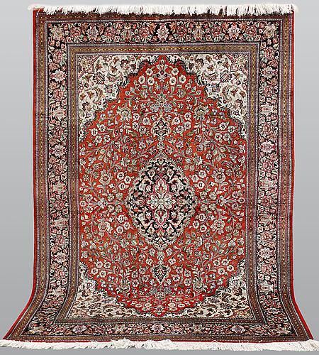 Matto, silk qum, ca  202 x 133 cm.