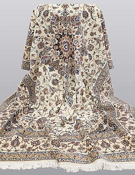 Matta, Nain part silk s.k 6 LAA, ca 368 x 248 cm.